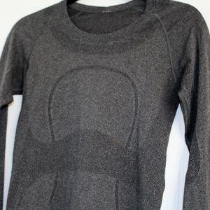 Grey Lululemon long sleeve shirt sz. 6